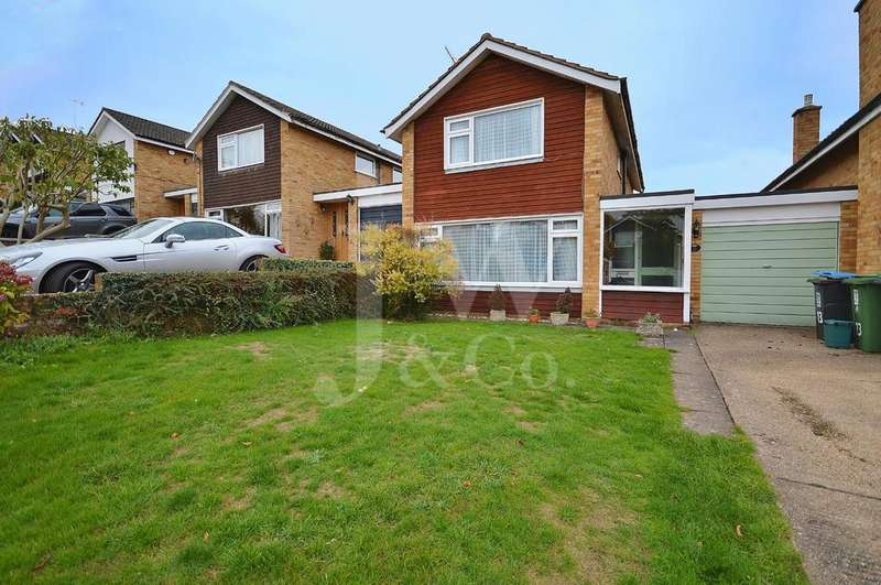 3 Bedrooms Detached House for sale in Lombardy Drive, Berkhamsted