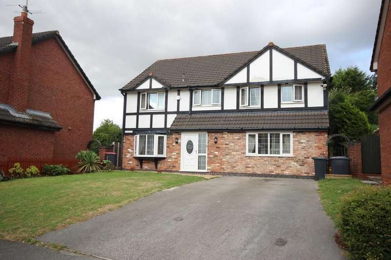 4 Bedrooms Detached House for sale in Falconwood Chase, Boothstown