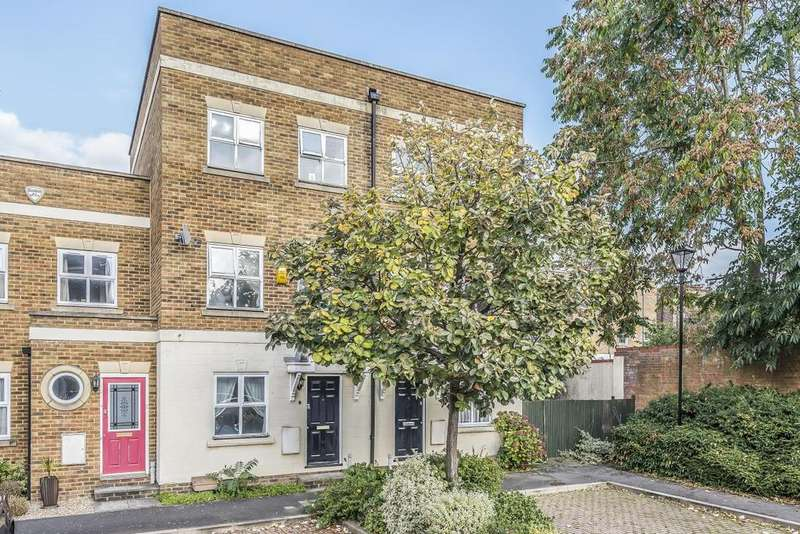 3 Bedrooms Terraced House for sale in Turner Close, Oval
