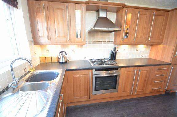 5 Bedrooms Detached House for sale in WILLAND VILLAGE - BEAUTIFULLY PRESENTED HOME