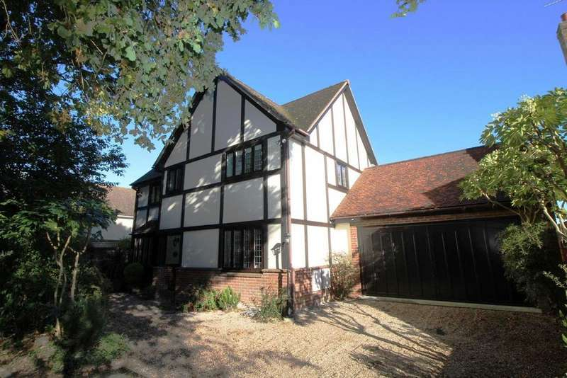 4 Bedrooms Detached House for sale in Green Lane, Colchester, Essex, CO4