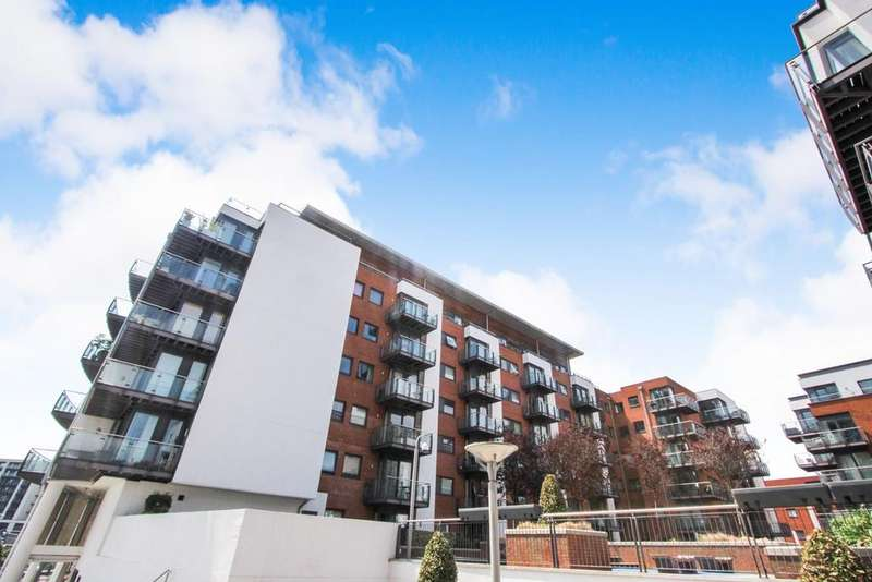 2 Bedrooms Apartment Flat for sale in Channel Way, Southampton, SO14