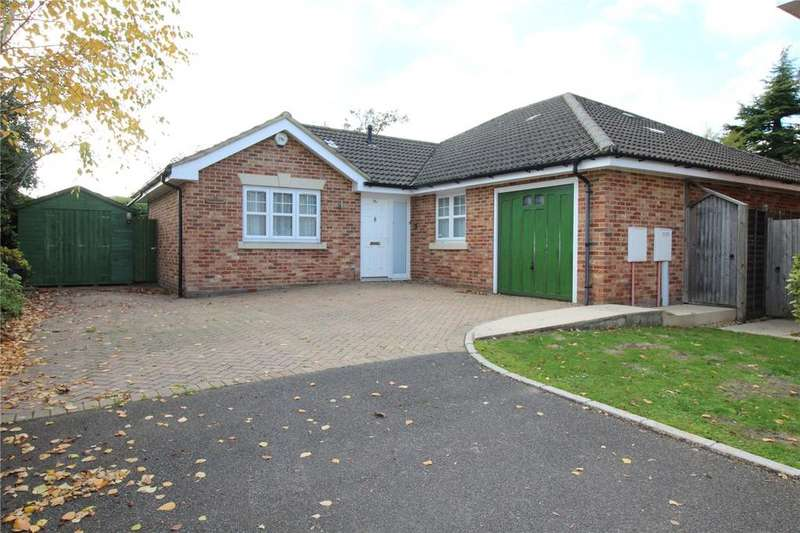 3 Bedrooms Detached House for sale in Bolle Road, Alton, Hampshire, GU34