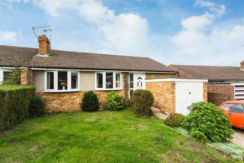 2 Bedrooms Semi Detached Bungalow for sale in Beckings Way, Flackwell Heath