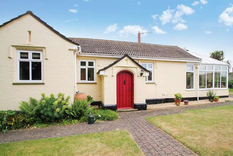 2 Bedrooms Cottage House for sale in Church Lane, Bucklesham, Ipswich, IP10