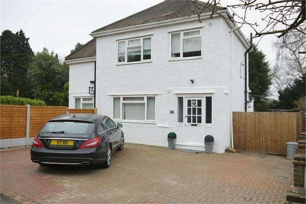 3 Bedrooms Semi Detached House for sale in Shenfield Crescent, BRENTWOOD, Essex
