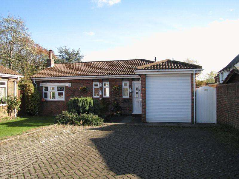 3 Bedrooms Detached Bungalow for sale in William Smith Close, Woolstone, Milton Keynes