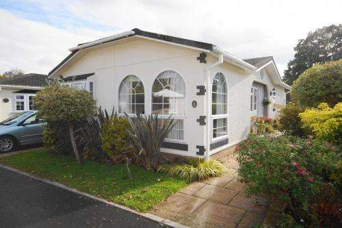 2 Bedrooms Park Home Mobile Home for sale in Kingston Park, Canada Road, West Wellow, Southampton
