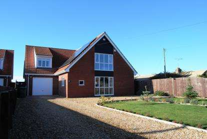 4 Bedrooms Detached House for sale in Clenchwarton, King's Lynn, Norfolk