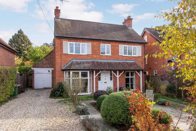 5 Bedrooms Detached House for sale in Grove Road, Sonning Common