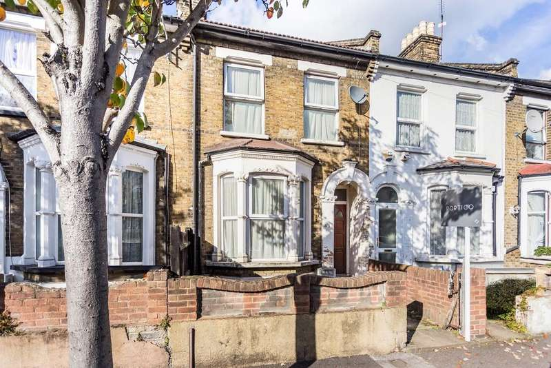 3 Bedrooms Terraced House for sale in Leslie Road, Leytonstone, E11