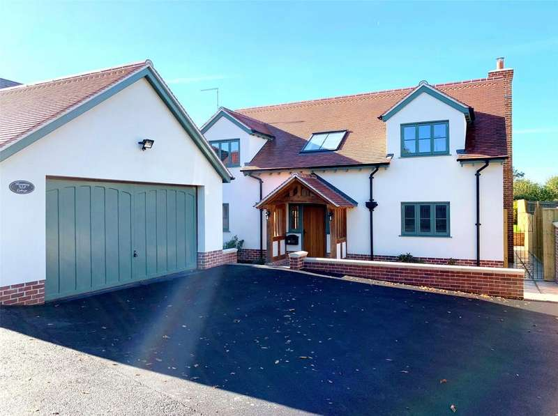4 Bedrooms Detached House for sale in Yelland Road, Fremington