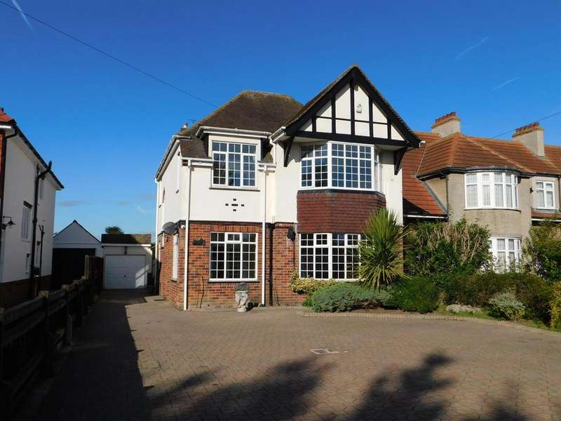 5 Bedrooms Detached House for sale in Drummond Road, Skegness, PE25 3AT