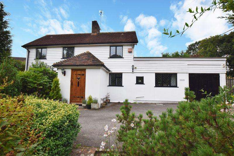 5 Bedrooms Detached House for sale in Ringles Cross, Uckfield