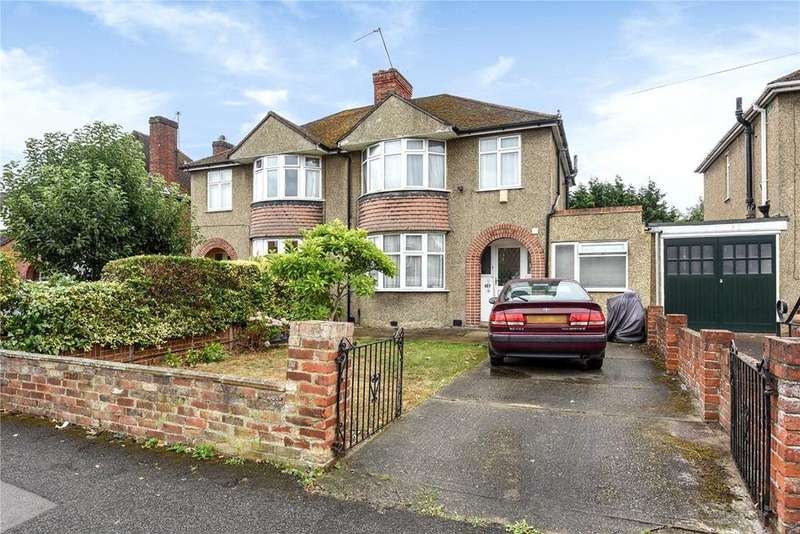 3 Bedrooms Semi Detached House for sale in Dedworth Road, Windsor, Berkshire, SL4