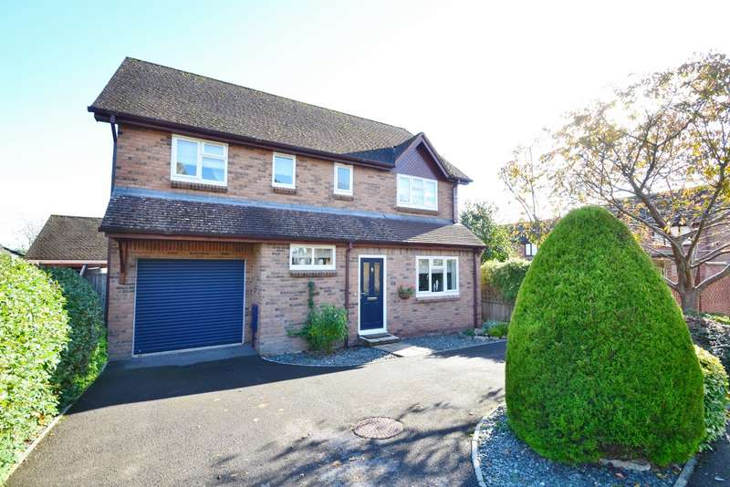 4 Bedrooms Detached House for sale in Blandford