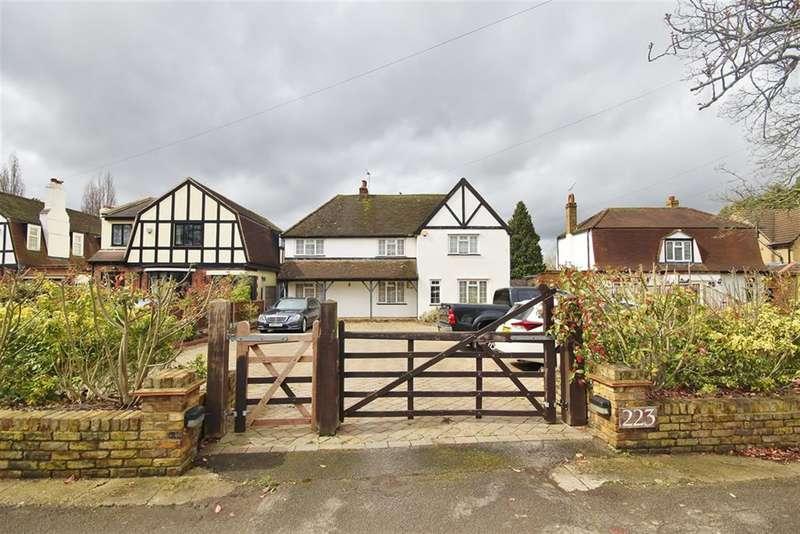 4 Bedrooms Detached House for sale in Long Lane , Uxbridge , Middlesex, UB10 9JP