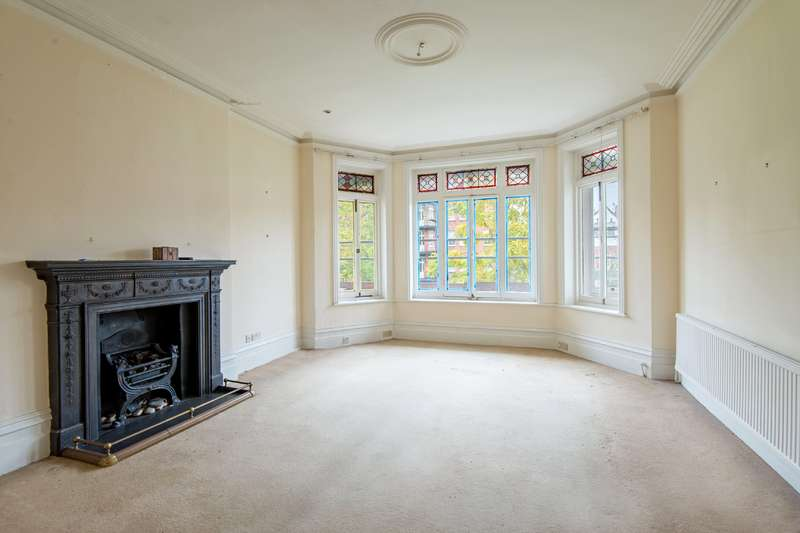 4 Bedrooms Flat for sale in Canfield Gardens, South Hampstead