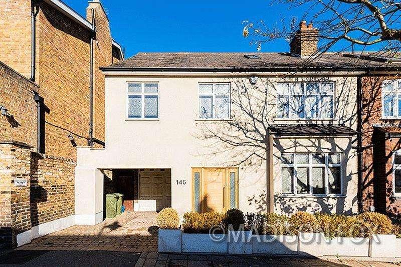 5 Bedrooms Semi Detached House for sale in Queens Road, Buckhurst Hill, IG9