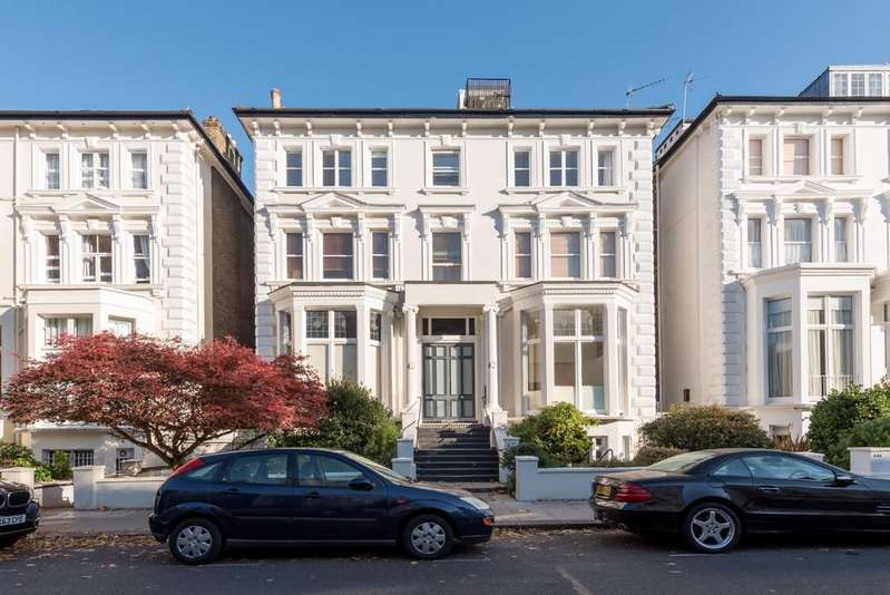 4 Bedrooms Apartment Flat for sale in Belsize Park Gardens, NW3