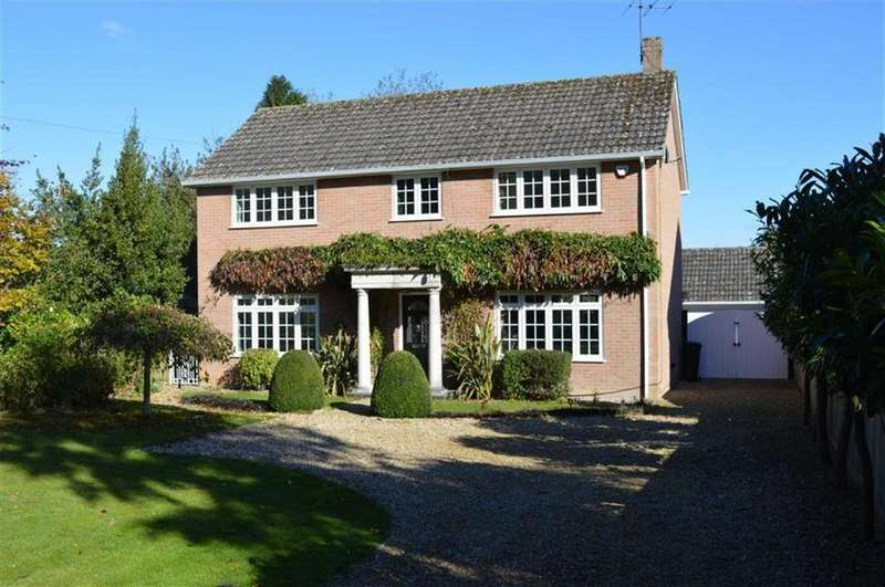 4 Bedrooms Detached House for sale in Gussage St Michael, Wimborne, Dorset