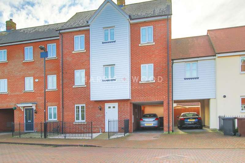 4 Bedrooms Town House for sale in Corunna Drive, Colchester, CO2