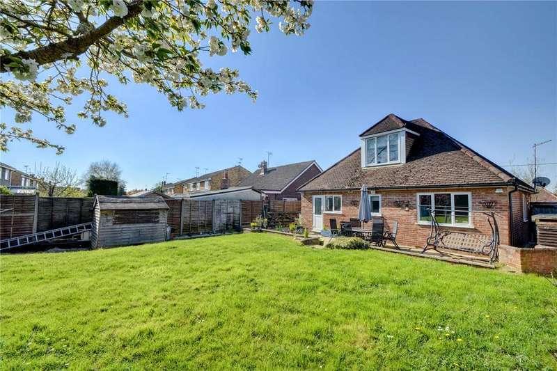 4 Bedrooms Detached House for sale in Windsor Road, Lindford, Bordon, Hampshire