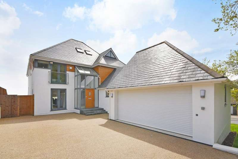 6 Bedrooms Detached House for sale in Whitenbrook, Hythe, CT21