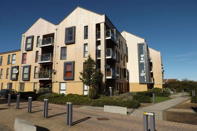 2 Bedrooms Flat for sale in Hampton Place Richmond Drive, Houghton Regis, Dunstable, LU5