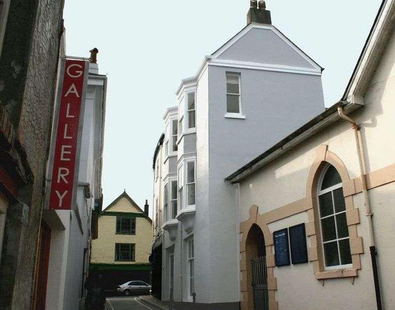 3 Bedrooms Property for sale in Castle Street, Totnes