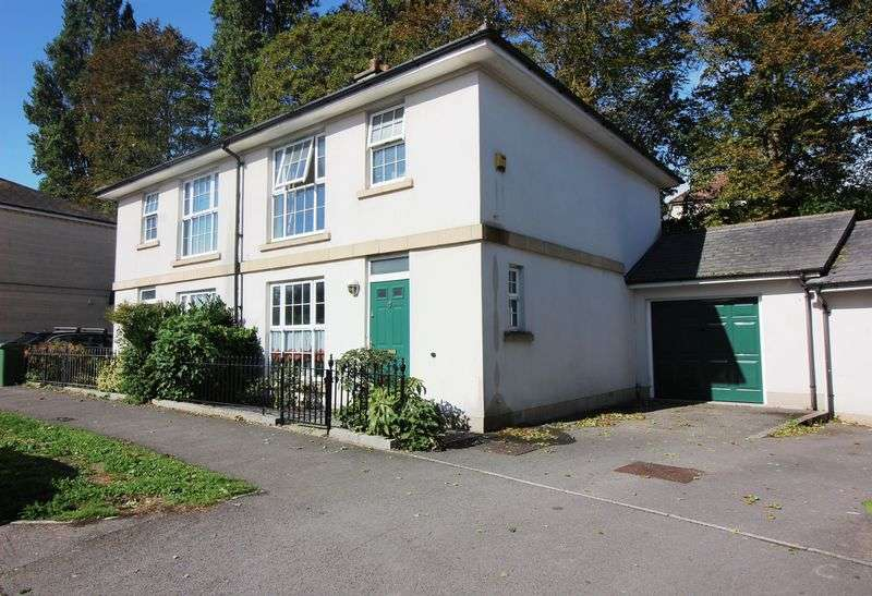 3 Bedrooms Property for sale in Burlington Road, PORTISHEAD