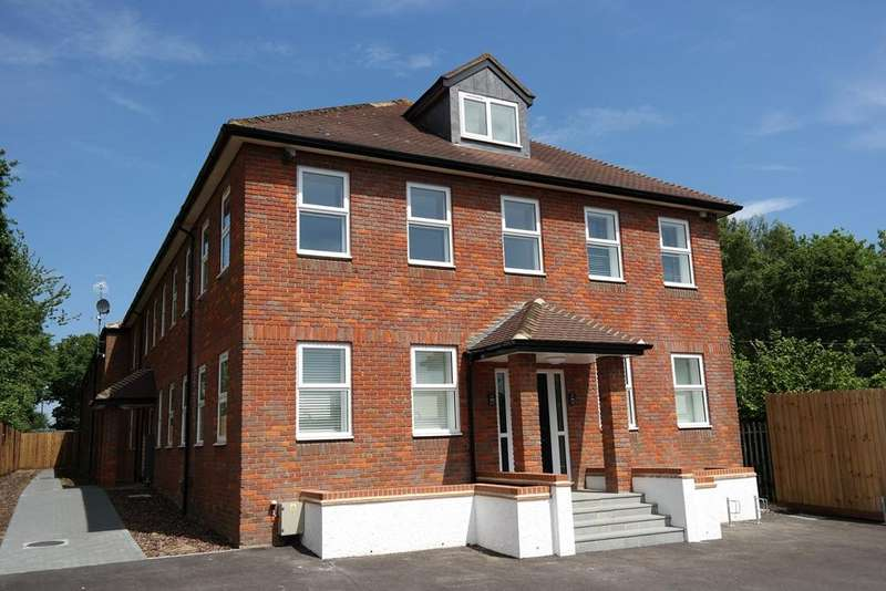 1 Bedroom Apartment Flat for sale in Porters Wood, St Albans, AL3