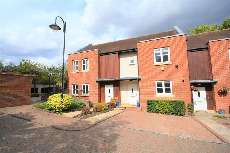 3 Bedrooms Terraced House for sale in Gilbert Scott Court, Old Amersham HP7