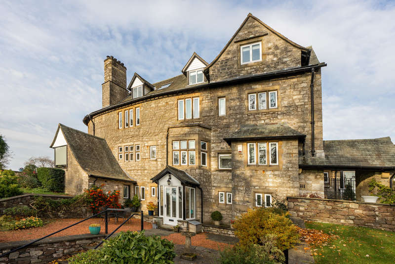 2 Bedrooms Flat for sale in 5 Highfield Hall, Barrows Green, Kendal, Cumbria LA8 0AA