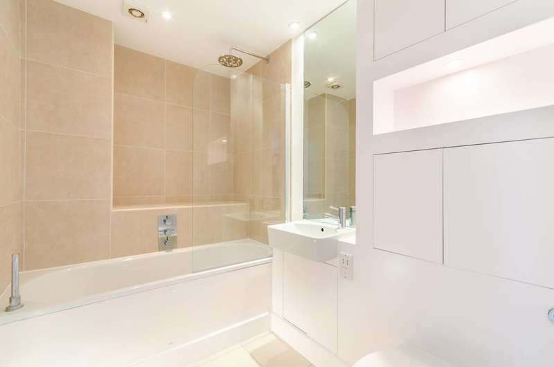 3 Bedrooms Flat for sale in Maple Road, Crystal Palace, SE20