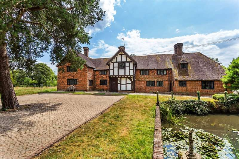 5 Bedrooms Detached House for sale in The Street, Charlwood, Horley, Surrey, RH6