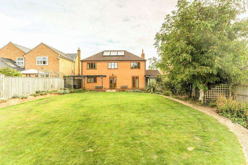 5 Bedrooms Detached House for sale in Lode Way, Haddenham