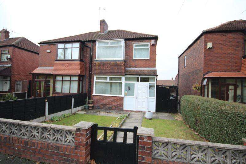 3 Bedrooms Semi Detached House for sale in Manchester Road, Castleton, Rochdale OL11 3AE