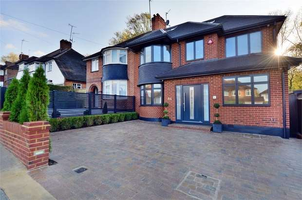 4 Bedrooms Semi Detached House for sale in Worcester Crescent, Mill Hill, NW7