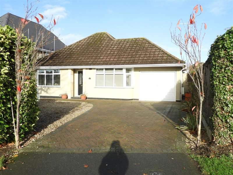 2 Bedrooms Detached Bungalow for sale in Vicarage Road, Swindon