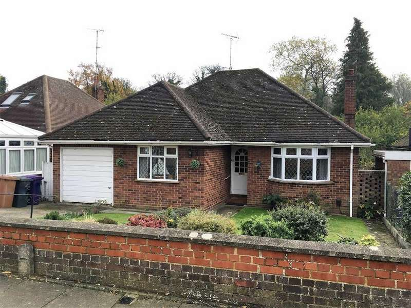 3 Bedrooms Detached Bungalow for sale in Hawthorn Close, Hitchin, SG5