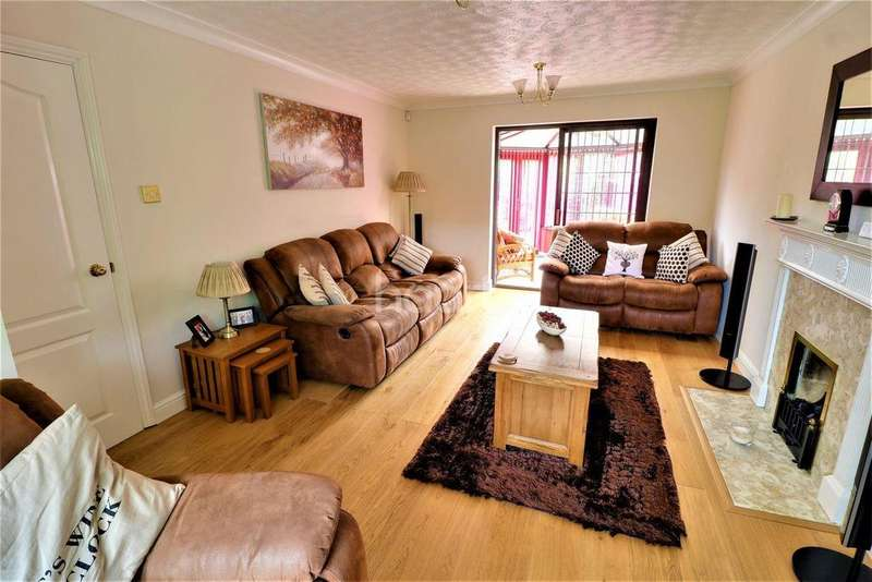 5 Bedrooms Detached House for sale in Wigmore Downs