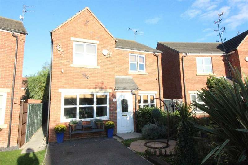 3 Bedrooms Detached House for sale in Coxwold Grove, Hull