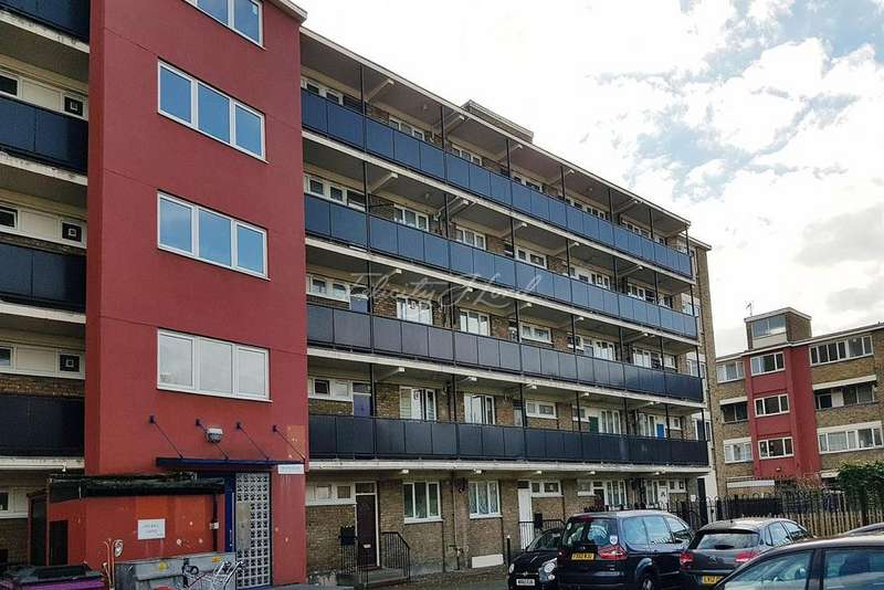 Studio Flat for sale in Donne House, E14