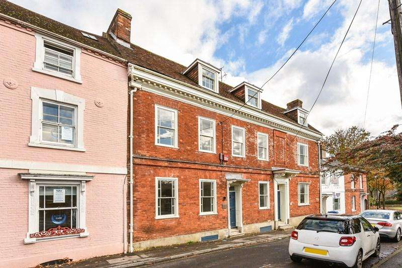 3 Bedrooms Terraced House for sale in East Street, Andover
