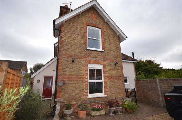 2 Bedrooms Maisonette Flat for sale in Cordwallis Road, Maidenhead, Berkshire