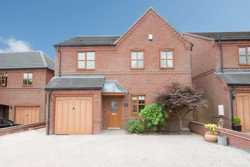 4 Bedrooms Detached House for sale in Ladbroke Drive, Walmley, Sutton Coldfield