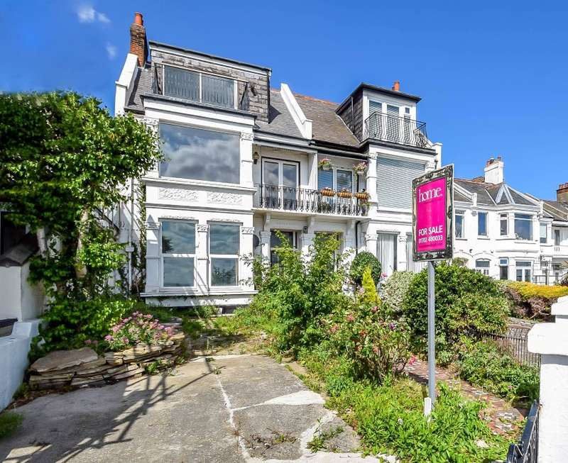 3 Bedrooms Semi Detached House for sale in Clifton Drive, Westcliff-on-Sea, Essex, SS0 7SW
