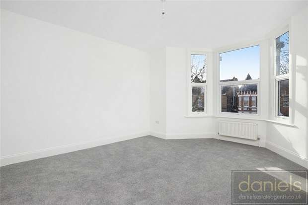 2 Bedrooms Flat for sale in Connaught Road, Harlesden, London