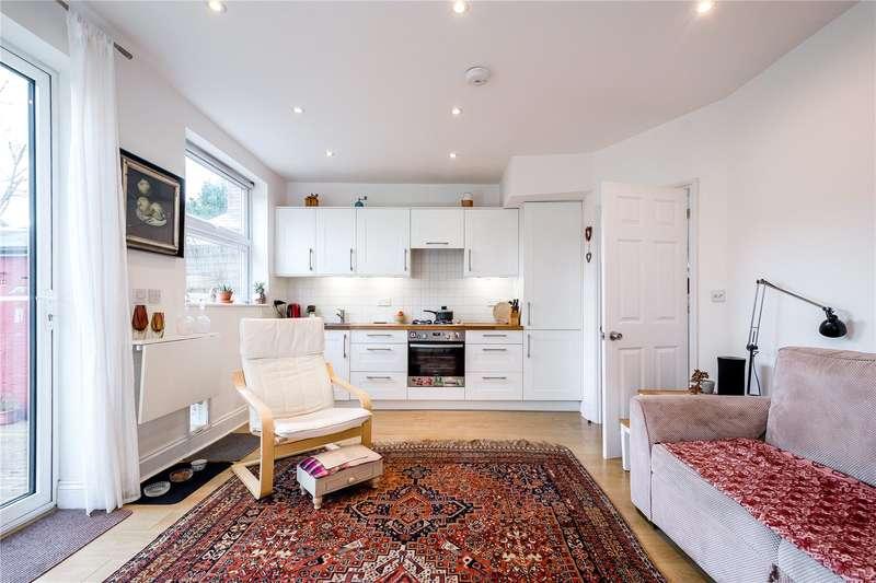 4 Bedrooms Mews House for sale in Park Road, London, N11